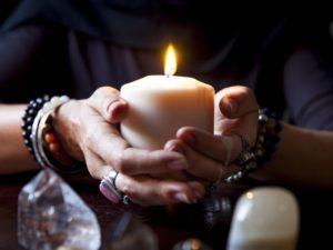 Присуха мужчины на свечу
